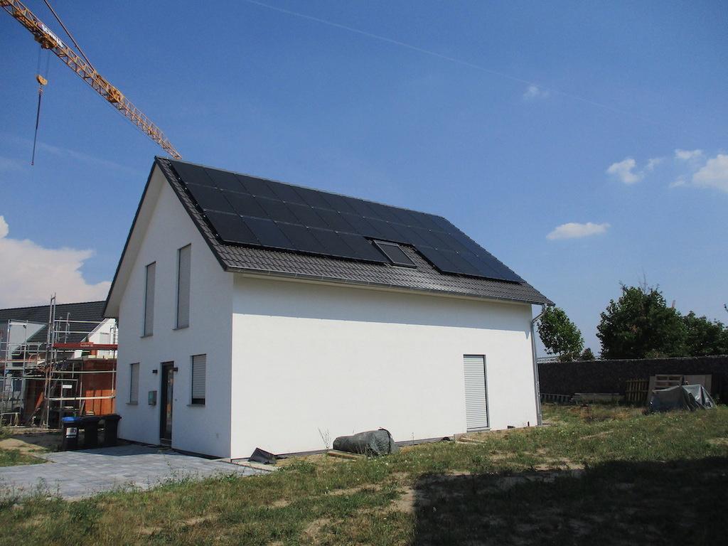 Photovoltaik-Waldsee-Süß