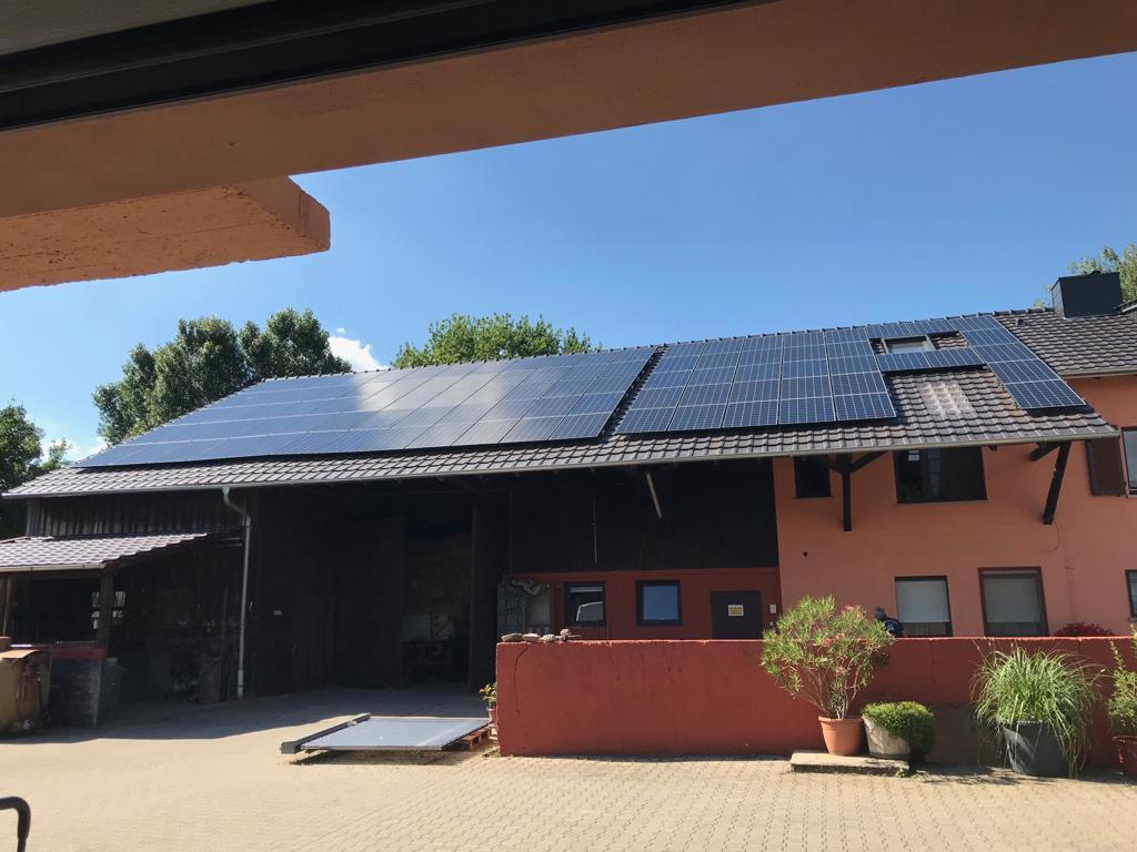solepv-photovoltaikanlage30kw-mannhehim-herbel